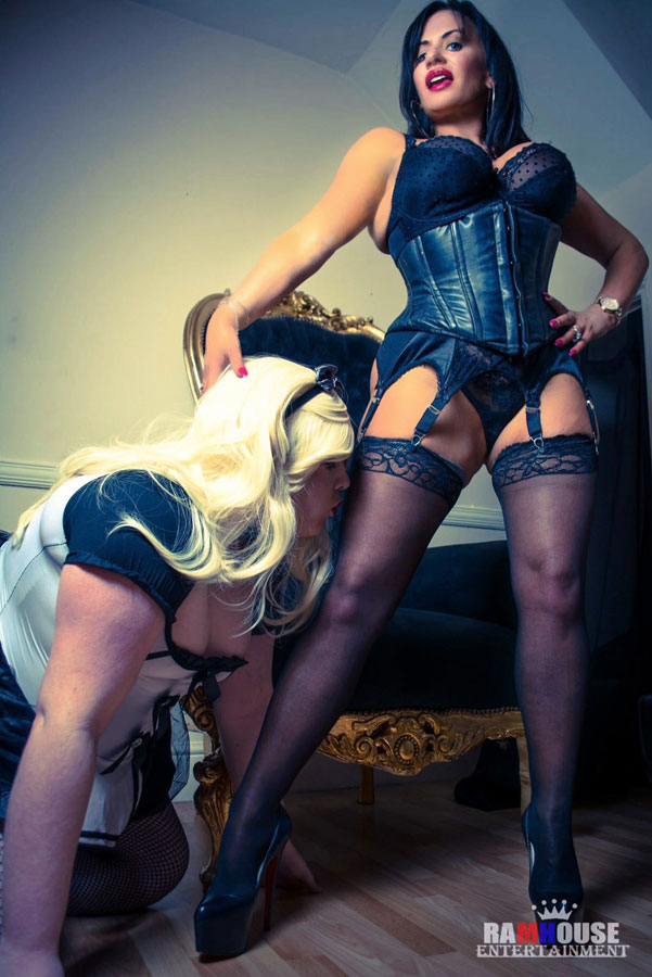 Dominatrix sissy maid strapon 3